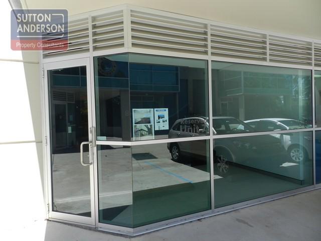 U7 Lane Cove 009 entry glass